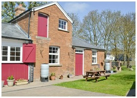 Red Lion Steeple Bumpstead accommodation and Bed and Breakfast at the Stables
